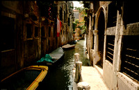 boats in canal001-01001